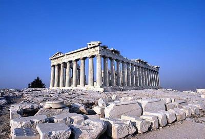 파르테논신전 원경. 그리스 아테네. 도리스식의 신전으로 기원전 450년경 익티노스 설계. 두산세계대백과사전 사진