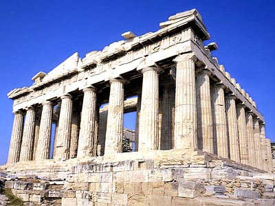파르테논신전. 그리스 아테네 아크로폴리스. BC 479년에 페르시아인이 파괴한 옛 신전 자리에 아테네인이 아테네의 수호여신 아테나에게 바친 것으로서 도리스식 신전이다. 두산세계대백과사전 사진