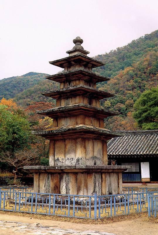 무량사오층석탑. 문화재청 사진