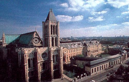 생드니수도원 외관. <a href=http://ancre.chez.tiscali.fr/saint-denis/saint-denis.htm target=_blank><span class=b_autolink>http://ancre.chez.tiscali.fr/saint-denis/saint-denis.htm</span></a> 사진